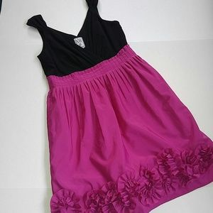 - NW COLLECTIONS Pink 👗 Black Dress SZ 6 Cut